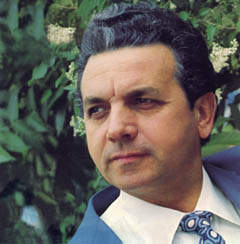 Prague Opera: Italian tenor Gaetano Bardini, soloist of the New York Metropolitan Opera 1969 - 71, Stone Bell Series - Prague Opera Gala 1994 - 2002. Buy his CD recital!